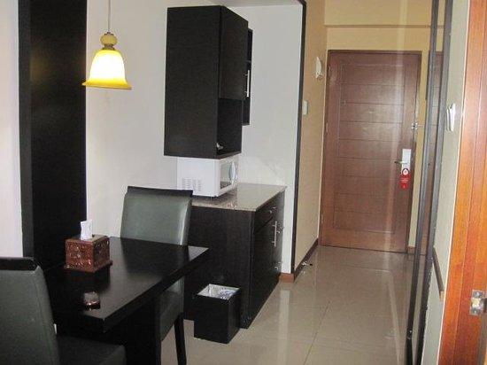 Marbella Suites Bandung: Deluxe Suite - Living Room