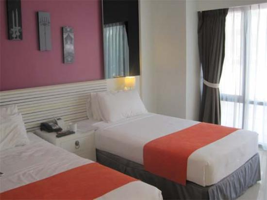 The Lantern Resorts Patong: 部屋は明るい感じです