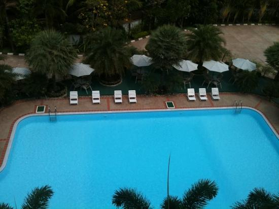 Leuxay Hotel: sector pileta