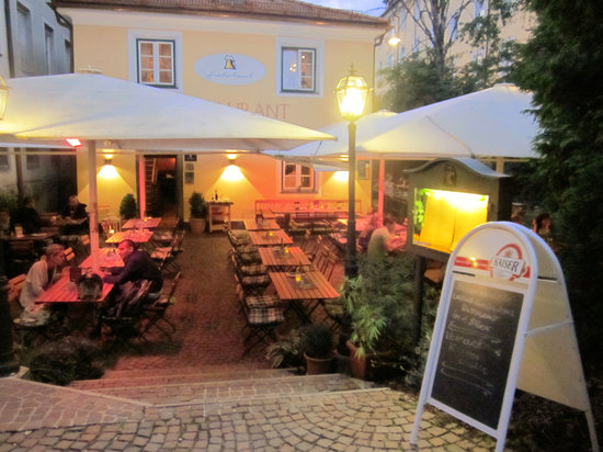 Fischerhäusl: Restaurant in the evening