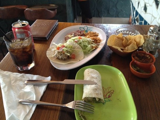 Cantina Agave: double tacos lunch meal for 55¥
