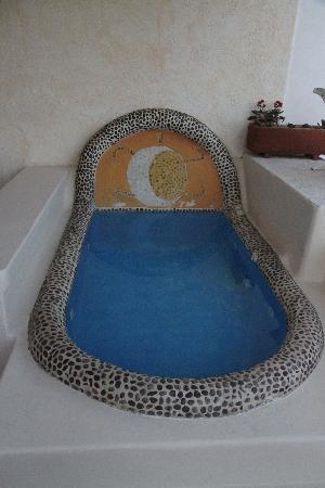Casa Sun & Moon: Tub on the deck