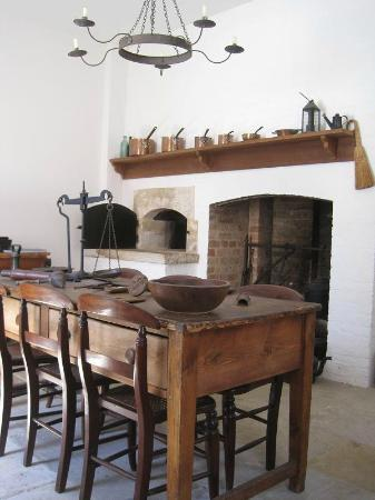 Old Government House: The kitchen, which conveyed many utensils used in the Colonial period