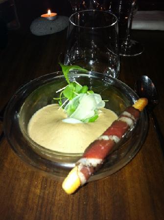 C'YUSHA : œuf mollet émulsion aux morilles et royale de foie gras