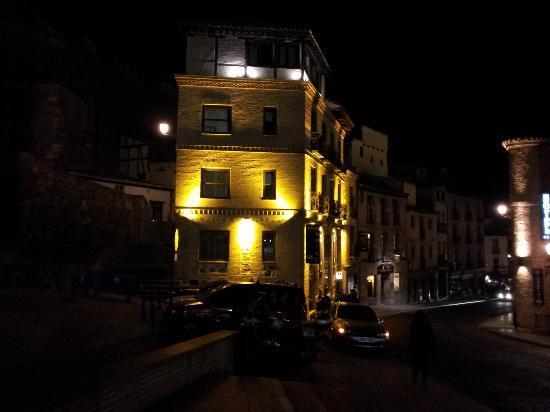 Hotel Abad Toledo: Vista nocturna
