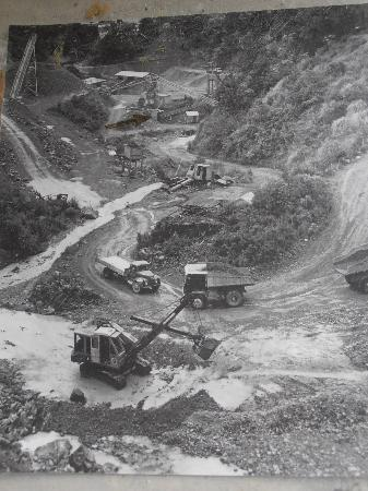 Whangarei Quarry Gardens: Old photo board showing the making of the gardens