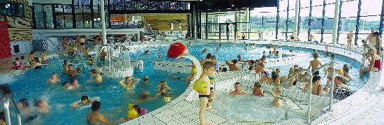 Eppe-Sauvage, France : Espace aquatique couvert ouvert toute l'année
