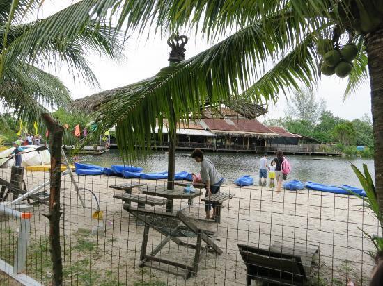 Celestial Resort Pulau Ubin: Lagoon- whereby you do your snorkeling/kayaking here
