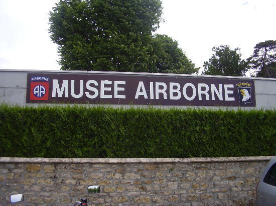 British War Cemetery: museo di arromanche