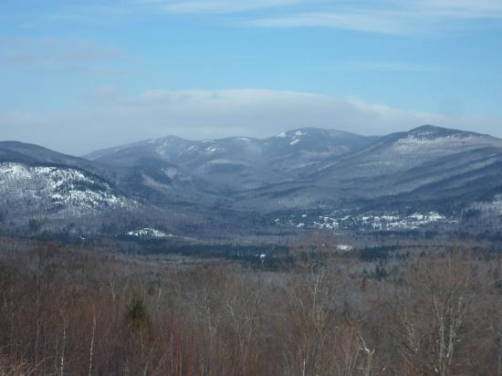 Northern Extremes Snowmobiling - Tours: View from Bear Notch Road