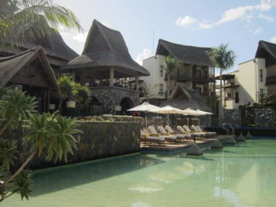 Angsana Balaclava Mauritius: seawater pool and main area
