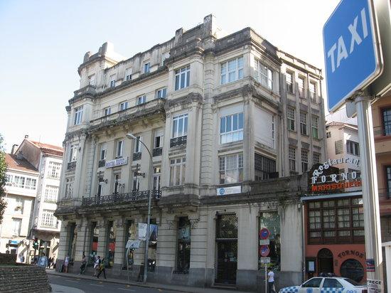 PR* Plaza de Galicia: Fachada - Servicios Bus - Taxi - Tren