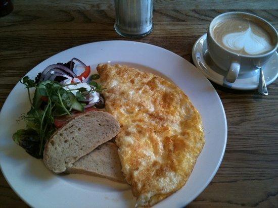 Cafe Saturnus : Omelette breakfast - 120kr