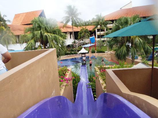 Shangri-La's Tanjung Aru Resort & Spa: Water slide