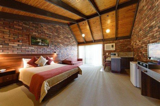 Belvoir Village Motel & Apartments