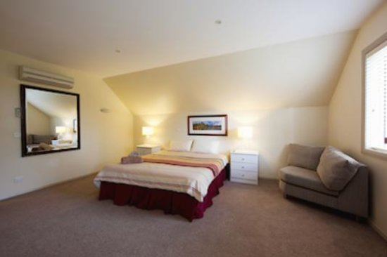 Albury Suites