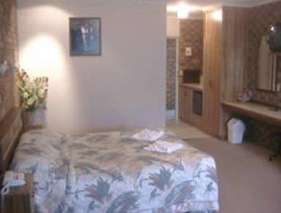 Horsham Mid City Court Motel