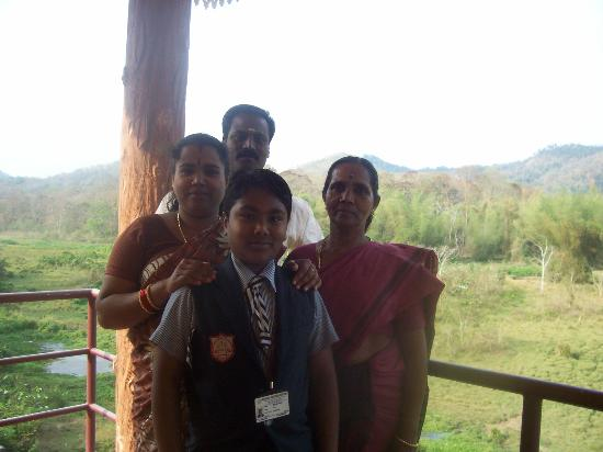 Konark Homestay: ram and family