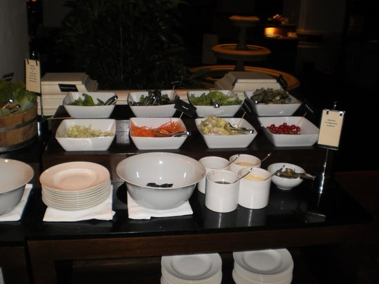 The Dining Room at Grand Hyatt Erawan Bangkok: Condiments