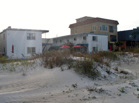 Great Heron Inn: Right on the beach...perfect.