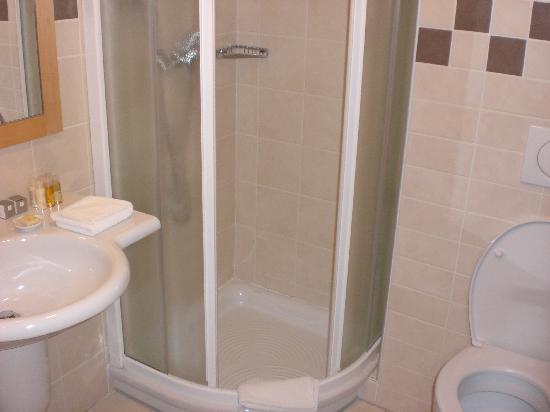 BEST WESTERN PREMIER Hotel Lovec: Il bagno