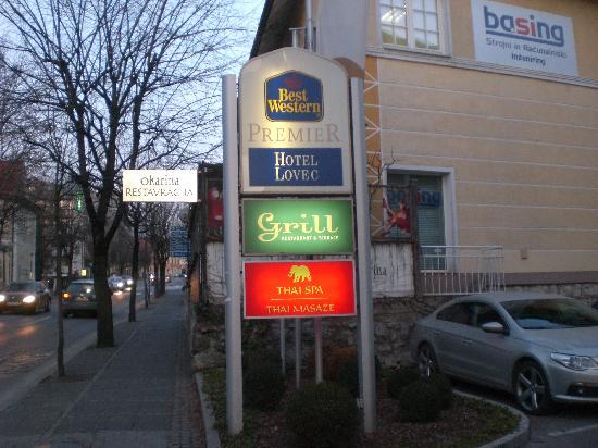 BEST WESTERN PREMIER Hotel Lovec: Esterno