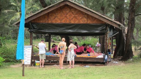 Mai Khao Beach: massage for 400bhat t mai khao renaissance