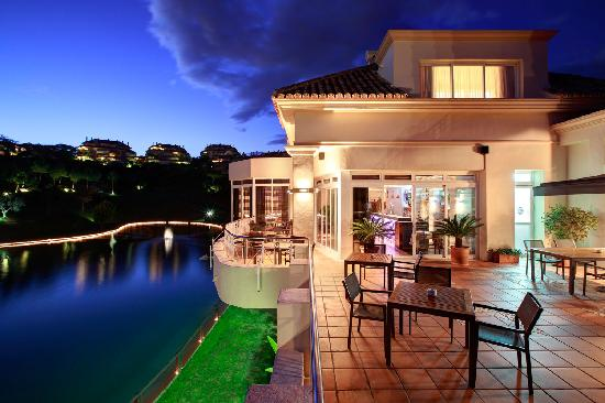 Apartamentos Greenlife Golf: Restaurante terraza