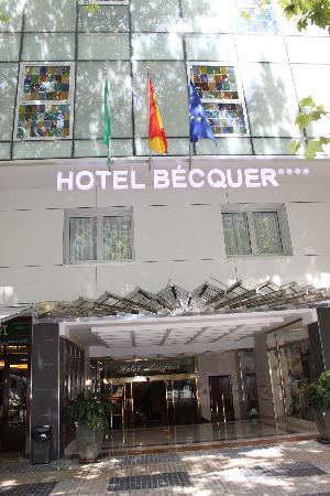 Hotel Becquer: Entrata Hotel