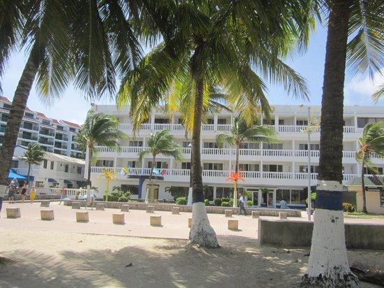 Hotel El Dorado : exelentes playas