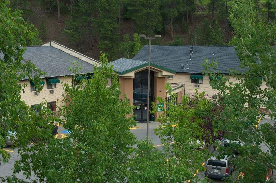 Deadwood Gulch Resort: Front Yard