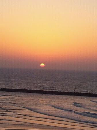 Sea Executive Suites: Sunset - Tel Aviv Style