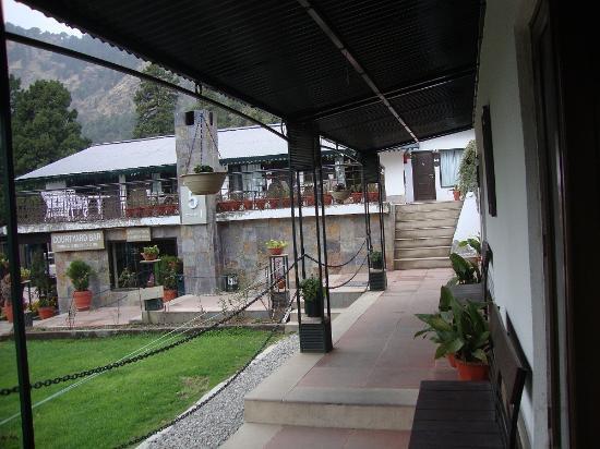 Shervani Hilltop: Corridor