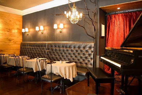 Manhattans : live music almost every night of the week