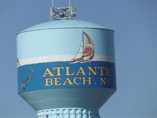 Peppertree Resort: Atlantic City water tower can be seen from the beach