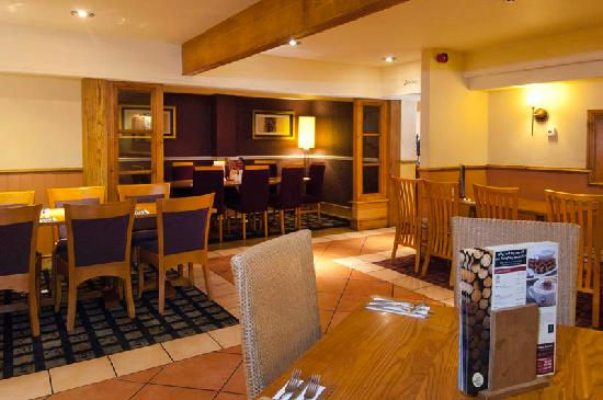 Premier Inn Christchurch / Highcliffe Hotel: Premier Inn Christchurch / Highcliffe