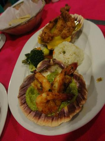 Los Arcos Restaurant: Good shrimp dishes