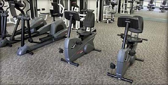 BridgeStreet Riverwatch Commons : Fitness center