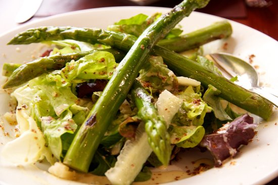 Ambrosia : Starter of Asparagus and Pecorino