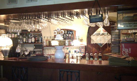 Afium: Bar