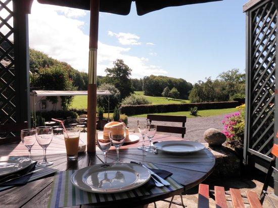 Domaine de Mezeyrac, restaurant la fleur de sel: vue sur le golf cote restau