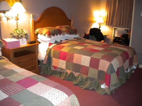The Village Inns of Blowing Rock: Hillwinds Inn: Double Accommodations