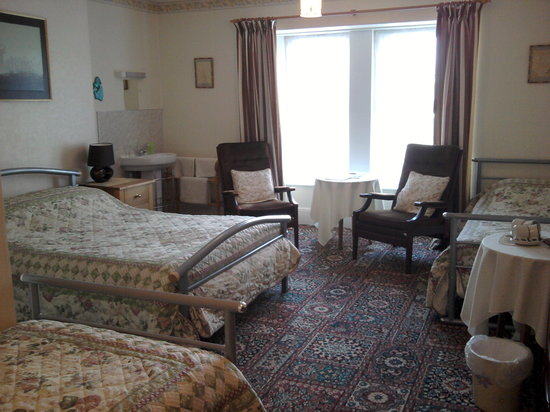 Wentworth House : Large Family/ Triple Room