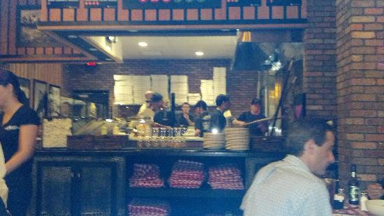 Grimaldi's Coal Brick Oven Pizzeria: Kitchen view