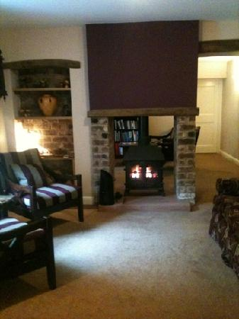 The Cottage in the Wood: guest lounge