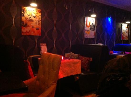 Bistro Hippodrome Restaurant : les tables pour quatre
