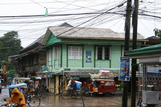 Eduardo's Tourist Inn