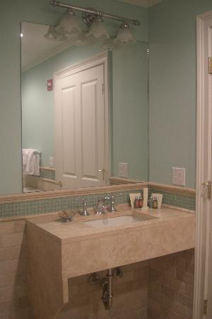 Pelham Court Hotel: Bathroom room 4
