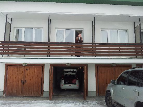 Tourcentre GTK Rizalit Hotel: Вид номера и гараж