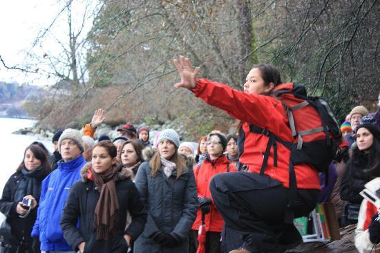 Takaya Tours : Intrepretive walking tour